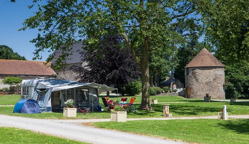 Castels Camping Château Lez-Eaux 5 étoiles en Normandie avec piscine couverte